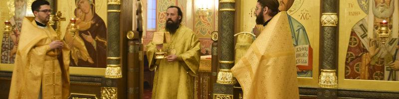 В день памяти святителя Михаила первого митрополита Киевского епископ Агафангел совершил Литургию в храме архиерейского подворья города Норильска
