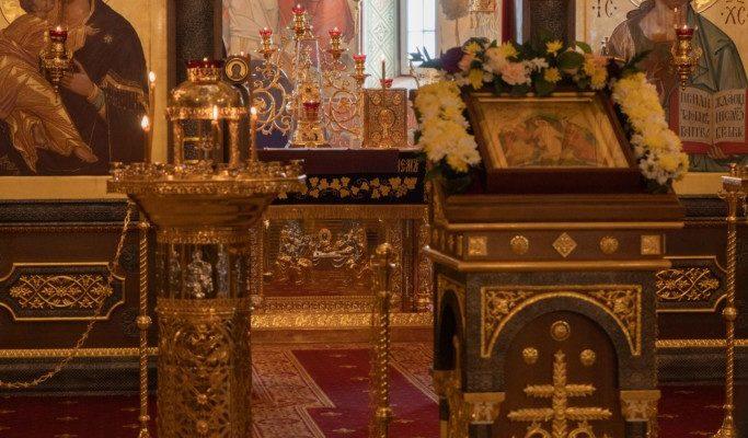 В Неделю 3-ю по Пасхе, святых жен-мироносиц,
